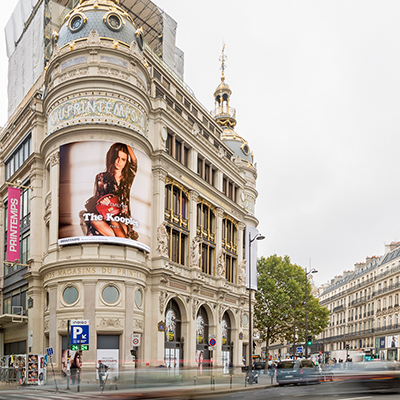 THE KOOPLES & Emily Ratajkowski sur le PRINTEMPS HAUSSMANN